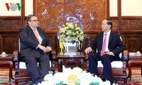Президент Вьетнама принял послов зарубежных стран