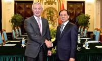 Политические консультации между замглавы МИД Вьетнама и генсеком МИД Бельгии