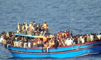 Illegal immigrants flood to Italy by sea
