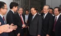 Premier vietnamita visita Universidad Vietnam-Japón