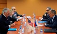 Cancilleres de Estados Unidos y Rusia se reúnen en Manila
