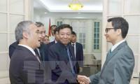 Vietnam afirma su apoyo a la colaboración en comunicación con Camboya
