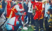 "Festival de ""banh day"" de aldea de Truc Phe"
