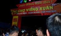 Aller au marché Viêng pour solliciter la chance