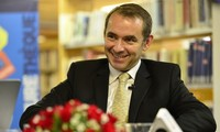 Remise de l'Ordre d'amitié à l'ancien ambassadeur français au Vietnam Jean-Noël Poirier