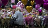 Attentat à Manchester: Une minute de silence en hommage aux victimes