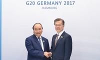 Nguyên Xuân Phuc rencontre le président sud-coréen et le Premier ministre australien
