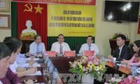 Truong Hoa Binh travaille avec le centre d'archives national numéro 4
