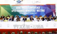 Conférence de presse sur les résultats de la conférence des ministres des Finances de l'APEC