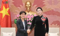 L'ambassadrice singapourienne reçue par la présidente de l'Assemblée nationale