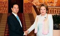 Các vị lãnh đạo Đảng và Nhà nước đón, hội đàm với Chủ tịch Thượng viện LB Nga
