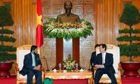 Thủ tướng Nguyễn Tấn Dũng tiếp Chủ tịch ủy ban Liên Chính phủ về biến đổi khí hậu của Liên hiệp quốc