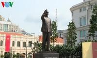 Tổng Bí thư dự Lễ khánh thành Tượng đài Chủ tịch Hồ Chí Minh tại Thành phố Hồ Chí Minh