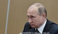 """Президент РФ ответил на вопросы россиян в эфире 15-й """"Прямой линии"""""""