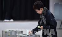 В Японии начались досрочные выборы в нижнюю палату парламента