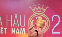 Les candidates au concours de Miss Vietnam aux épreuves de talents