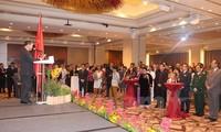 Le 70è anniversaire de l'armée vietnamienne célébré à Singapour et en Afrique du Sud