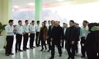 Nguyen Xuan Phuc inspecte le projet de gare routière de Lao Cai