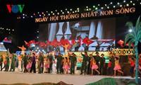 Fête de la réunification nationale à la rivière de Ben Hai