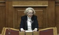 Grèce : la présidente de la Cour suprême nommée première ministre