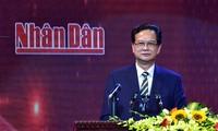 Nguyen Tan Dung à l'inauguration de la chaîne de télévision Nhan Dan