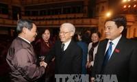 Les dirigeants vietnamiens rencontrent les générations de députés de Hanoï