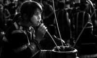 L'alcool de riz à siroter au chalumeau, la boisson rituelle des K'ho