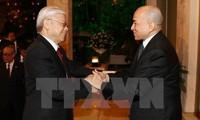 Король Камбоджи устроил торжественный прием в честь генсекретаря ЦК КПВ