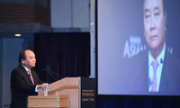 Opini umum memberikan apresiasi tinggi terhadap komitmen PM Vietnam Nguyen Xuan Phuc pada Konferensi Masa Depan Asia