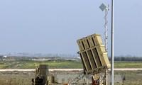 Israel membalas pemberon dongan meriam  dari Suriah