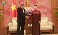 Ketua MN Vietnam, Nguyen Thi Kim Ngan menerima Dubes Kuba, Hermenio Lopez