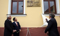 Deputi PM Vietnam, Vuong Dinh Hue melakukan kunjungan kerja di Slovakia