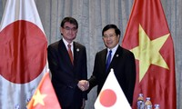 Deputi PM, Menlu Vietnam, Pham Binh Minh melakukan pertemuan bilateral di sela-sela APEC