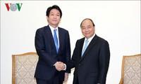 PM Vietnam, Nguyen Xuan Phuc menerima Sonoura Kentaro, Legislator Majelis Rendah, Penasehat Khusus dari Jepang