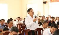 Pimpinan Partai Komunis dan Pemerintah Vietnam melakukan kontak dengan para pemilih di berbagai daerah