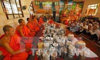 越南各地纷纷举行高棉族传统新年见面会