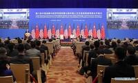 中美讨论双边问题及共同关心的国际问题