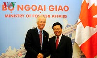 越南和加拿大加强多个领域合作