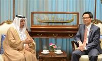 越南政府副总理武德担会见斯里兰卡总统和卡塔尔副首相