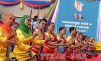 柬埔寨人民的历史性胜利有着越南的帮助