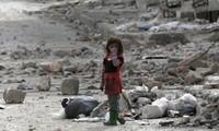 叙利亚一座清真寺遭空袭导致数十人死亡