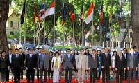 越南重申关于与其他成员国一道建设团结自强的东盟共同体的强有力信息