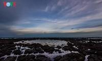 观赏广义省波郎安海滩的露天古火山口