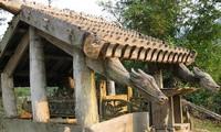 Les sculptures funéraires des Co Tu