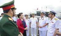 La présidente de l'AN se rend à la base militaire de Cam Ranh