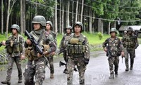 Philippine President calls for dialogue with militants in Marawi