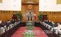 阮春福会见新加坡人民行动党代表团