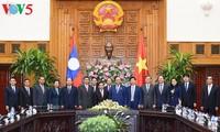 阮春福会见老挝国家副主席潘坎