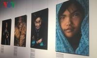 从法国摄影师的角度看越南各民族生活