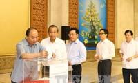 阮春福为因台风杜苏芮遭受损失的中部灾民捐款